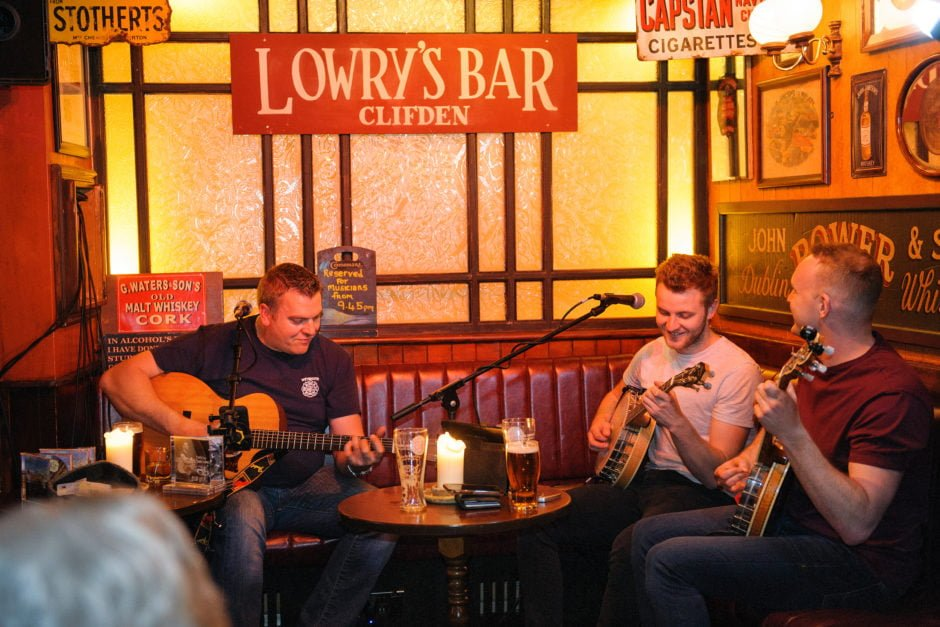 Lowrys_Bar_Music